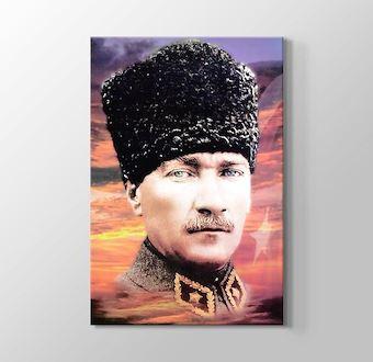 Atatürk - Taş kırılır, tunç erir ama Türklük ebedidir