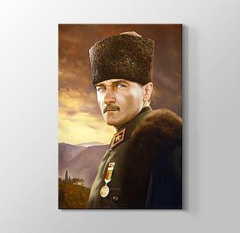 Üniformalı Atatürk