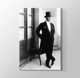 Smokinli Atatürk
