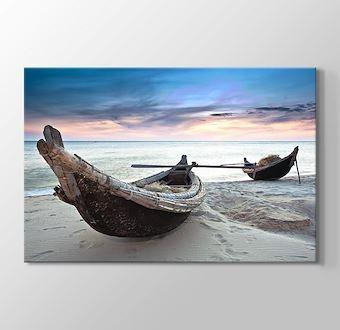 Raft at Beach